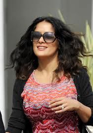 Salma Hayek con las gafas de Gucci