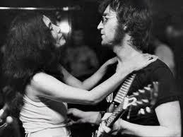 Yoko Ono y John Lennon: Haz el amor y no la guerra!