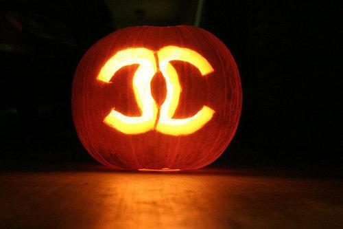 chanel-coco-chanel-fashion-halloween-photography-pumpkin-Favim.com-63801