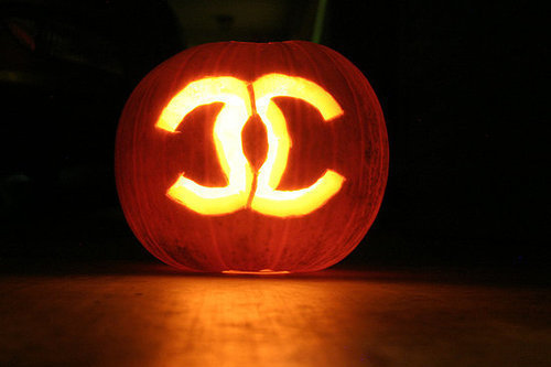 chanel-coco-chanel-fashion-halloween-photography-pumpkin-Favim.com-63801