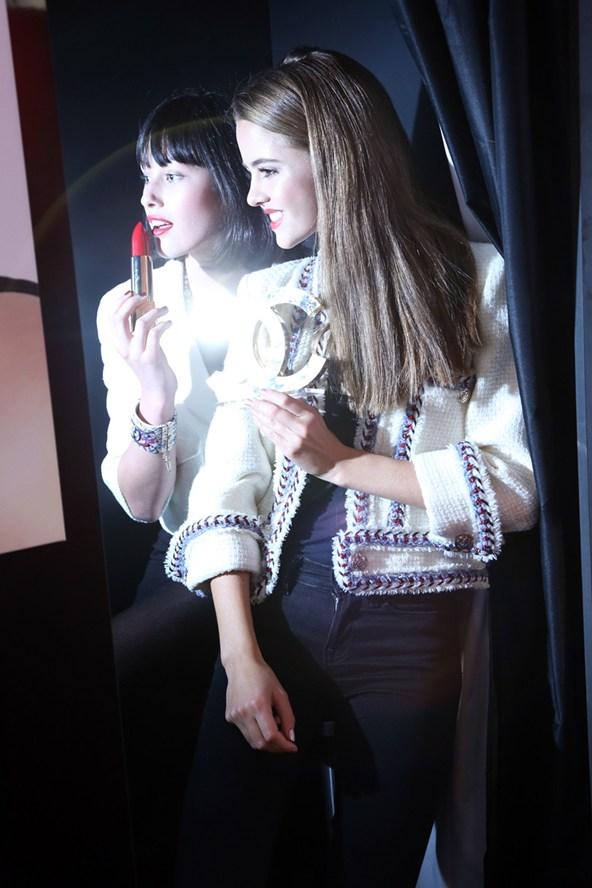Chanel-photobooth-1-Vogue-24Oct13-pr_b_592x888