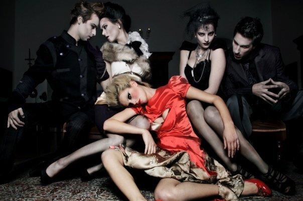 vampires-and-broken-dolls9