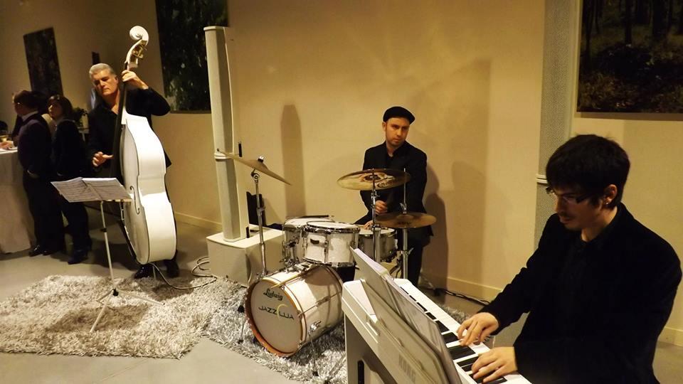 Jazzlua de Studio21 amenizando la velada