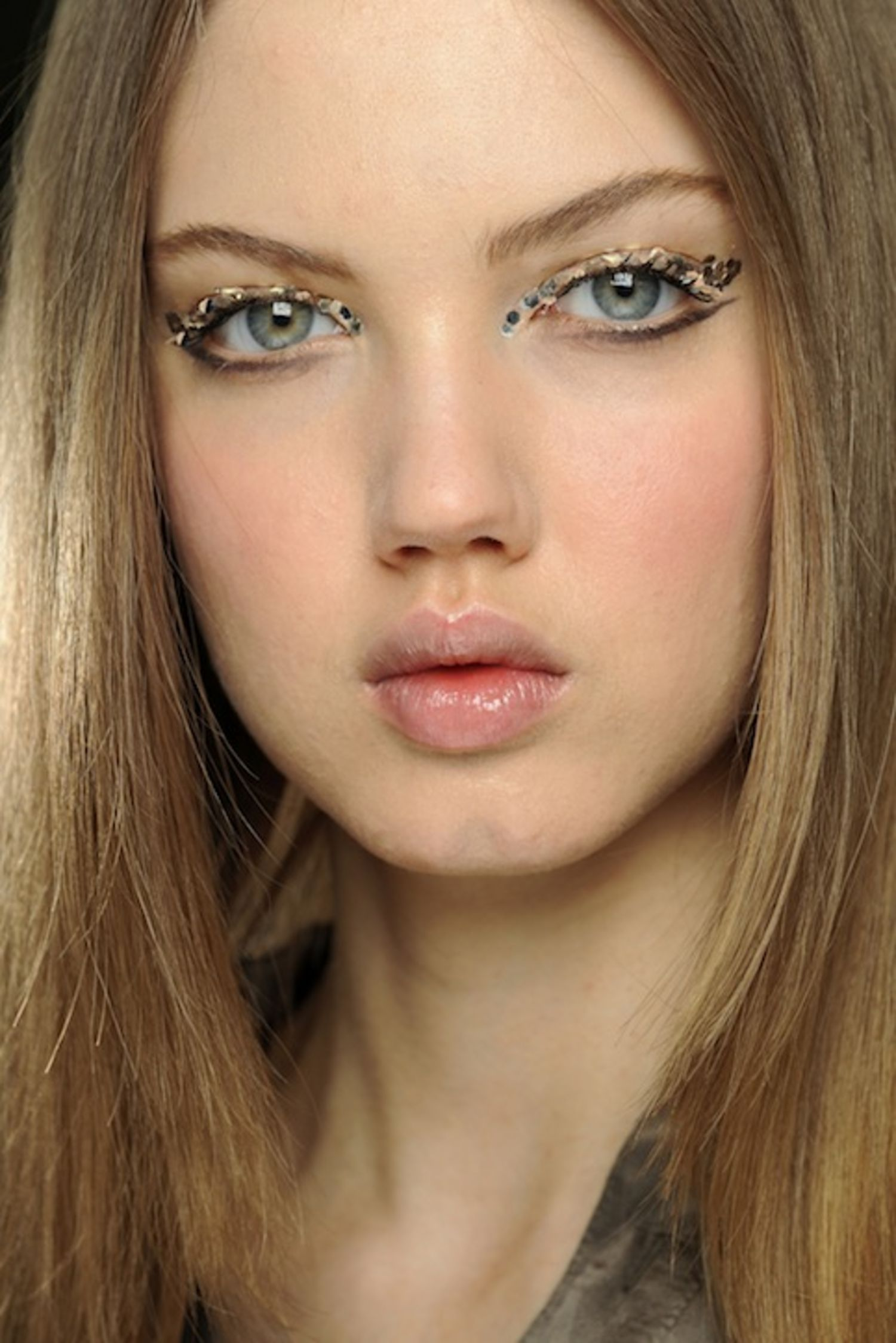 chanel-glitter-eyes-main