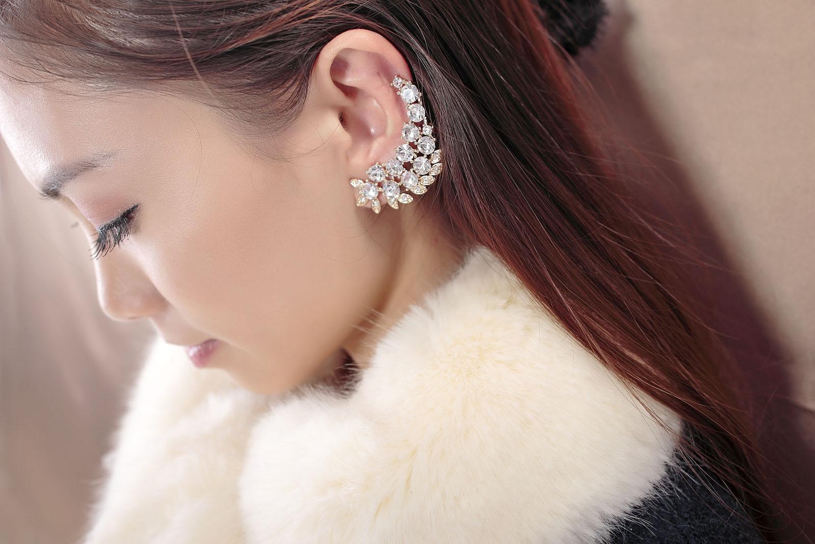 crystal-cartilage-ear-cuff-earrings.jpg_1097337557