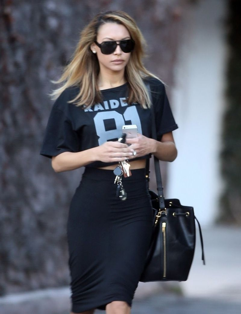 naya-rivera-street-style-leaving-a-studio-in-west-hollywood-january-2014_6